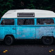 comment faire rimer jeune et voyage
